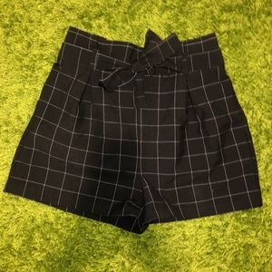 SUPER CUTE PREPPY PLAID BLACK HIGH-WAISTED SHORTS